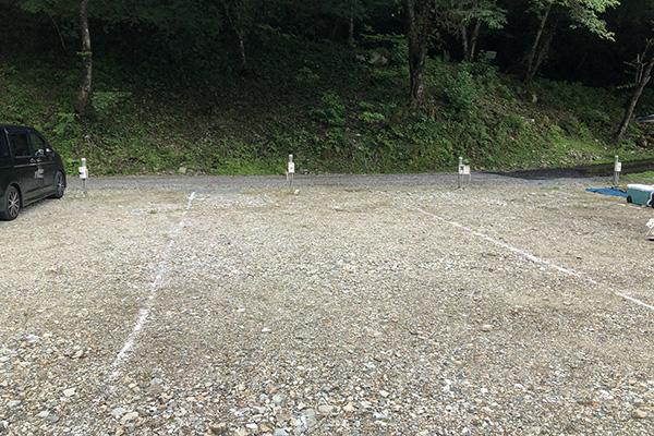 原不動滝キャンプ場サイトスペース