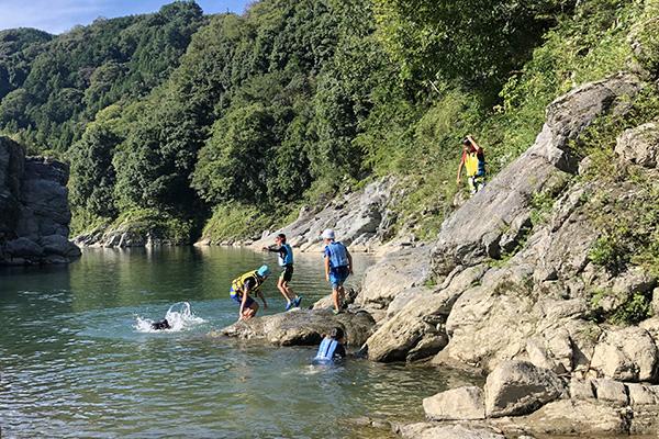 カルディア第2キャンプ場川遊び