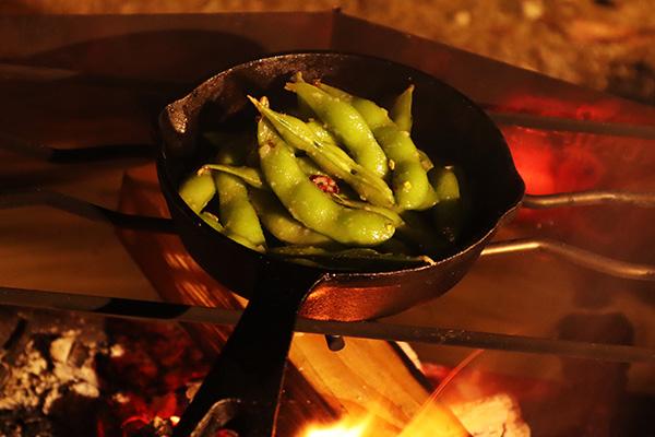 焼き枝豆のペペロン