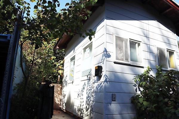 ちいさな森キャンプ村/管理棟横のトイレ