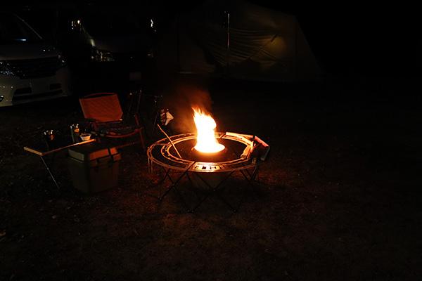 ネイトンサークルにタマレンジャーで焚き火