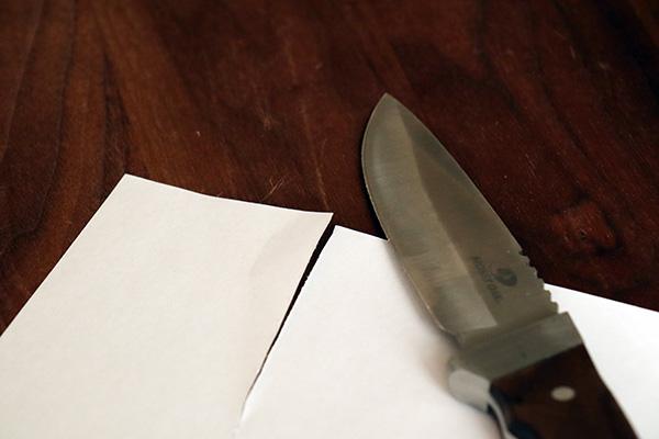 砥いだナイフでコピー用紙を切ってみた
