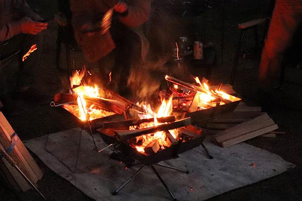 焚き火台3台体制