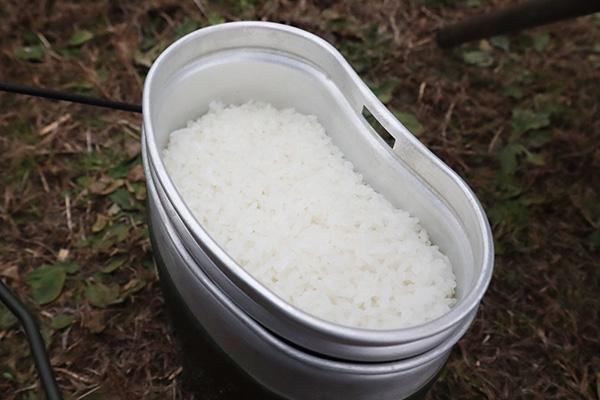 飯盒で水蒸気炊飯