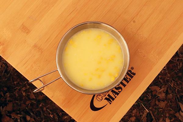 シェラカップでコーンスープ