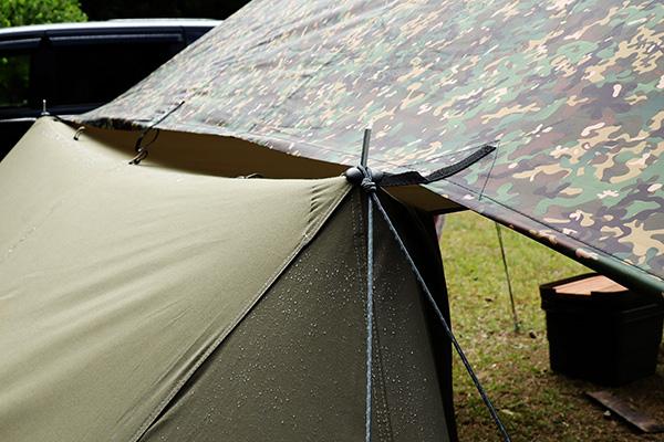 濡れたテント