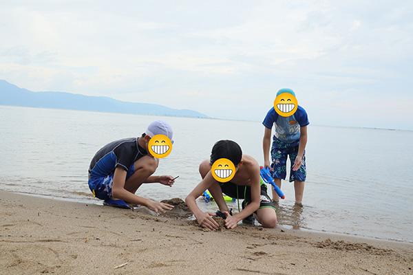 お友達と湖水浴/マイアミ浜オートキャンプ場